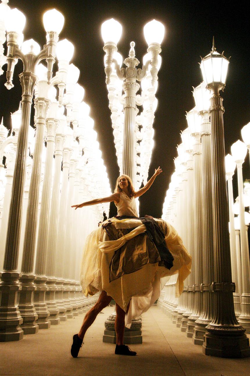 Invertigo Dance Theatre, Rococo Baroquo, Los Angeles contemporary dance company, whimsical dance, dance at LACMA, Los Angeles County Museum of Art